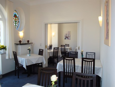 The Hotel Bellevue Hameln, Hotel Breakfast Room Furniture